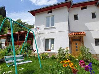 Къща за гости Зора, Триград