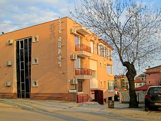 """Хотел Кедъра, ул. """"Ангел Димитров"""" 16, Сарафово, Бургас"""