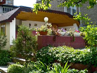 """Къща за гости Калина, ул. """"Жеравна"""" 104, Разград"""