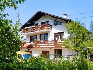 """Къща за гости Гарата, ул. """"Стефан Стамболов"""" 19, вх. А, Вършец"""