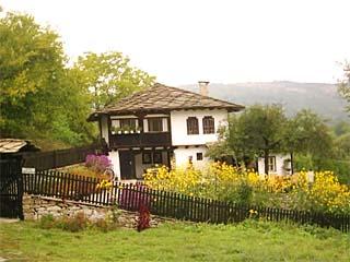 Къща Механа Двата Щрауса, Боженци