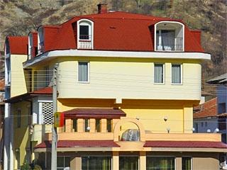 "Хотел Флора, бул. ""България"" 90, Златоград"