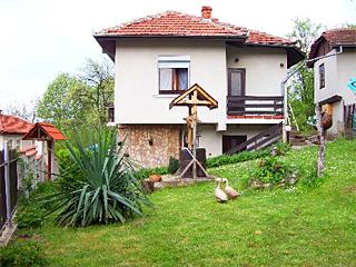 Къща за гости При Панчо, кв. Балкан, Троян